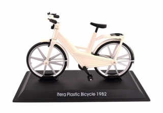 Model bicykla Itera Plastic Bicycle 1982